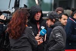 Fernando Alonso, McLaren parle avec les médias