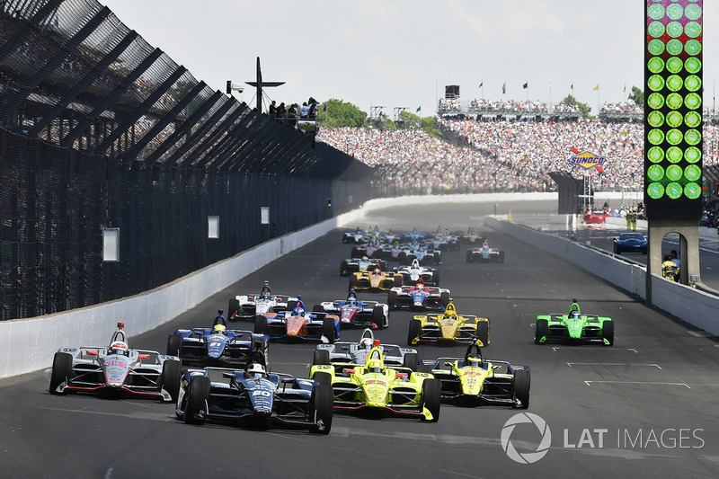 Start: Ed Carpenter, Ed Carpenter Racing leads