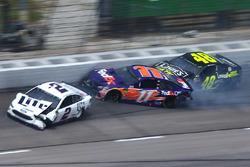 Brad Keselowski, Team Penske, Denny Hamlin, Joe Gibbs Racing, Jimmie Johnson, Hendrick Motorsports crash