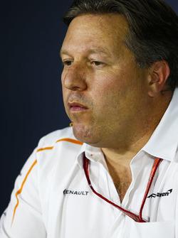 Zak Brown, Direktör, McLaren Technology Group basın toplantısında