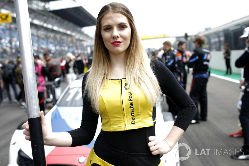 La grid girl di Marco Wittmann, BMW Team RMG