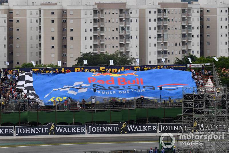 Giant Red Bull Racing flag