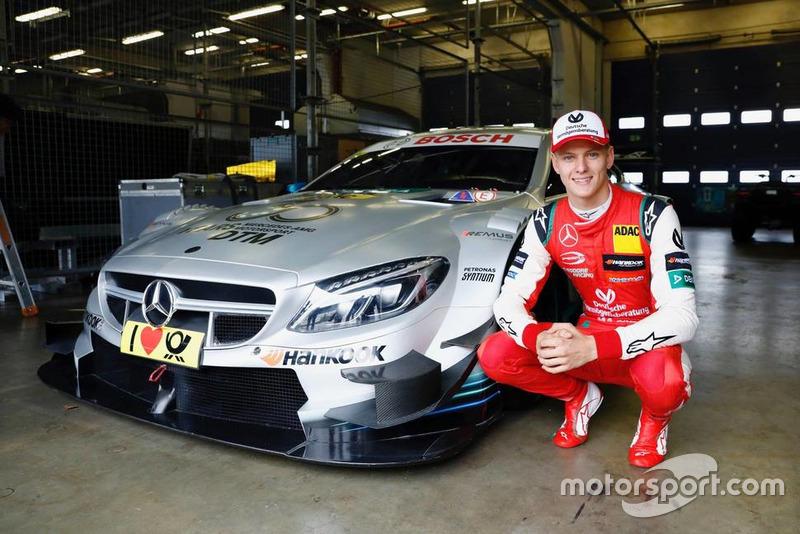 Мік Шумахер в машині Mercedes-AMG C63 DTM