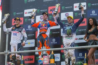 Jeffrey Herlings, Red Bull KTM Factory Racing; Tim Gajser, Honda HRC; Clement Desalle, Kawasaki