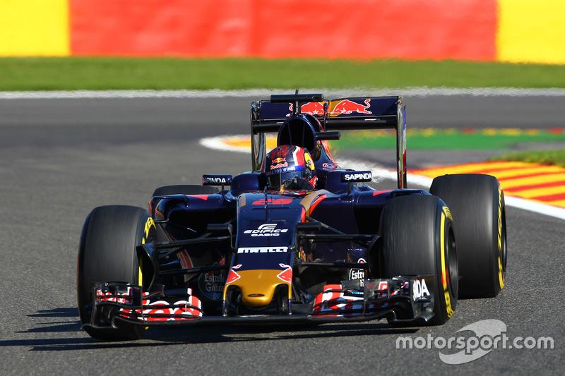 14. Daniil Kvyat, Scuderia Toro Rosso STR11