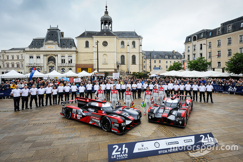 #7 Audi Sport Team Joest Audi R18: Marcel Fassler, Andre Lotterer, Benoit Tréluyer, #8 Audi Sport Team Joest Audi R18: Lucas di Grassi, Loic Duval, Oliver Jarvis