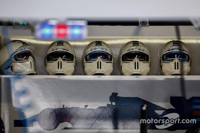 Williams pitstop helmets