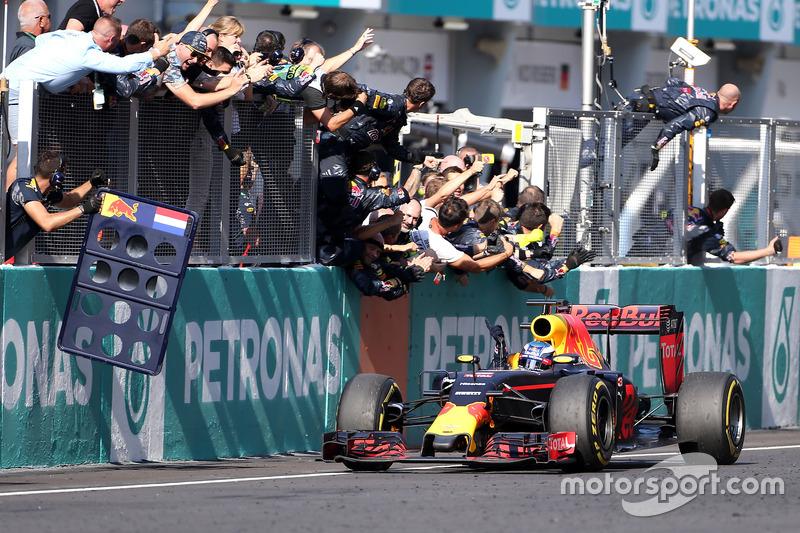Victoria en Malasia 2016 de Daniel Ricciardo, Red Bull Racing