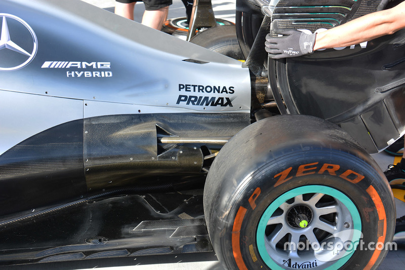 Mercedes AMG F1 W07 Hybrid rear detail