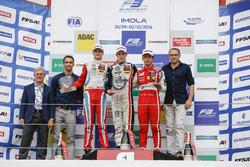 Rookie-Podium: Sieger Joel Eriksson, Motopark, Dallara F312, Volkswagen; 2. Ralf Aron, Prema Powerte