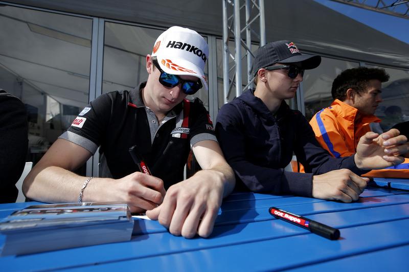 Autograph session, Joel Eriksson, Motopark; Dallara F312 – Volkswagen; Niko Kari, Motopark, Dallara