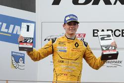 Podium : le deuxième Louis Deletraz, Fortec Motorsports
