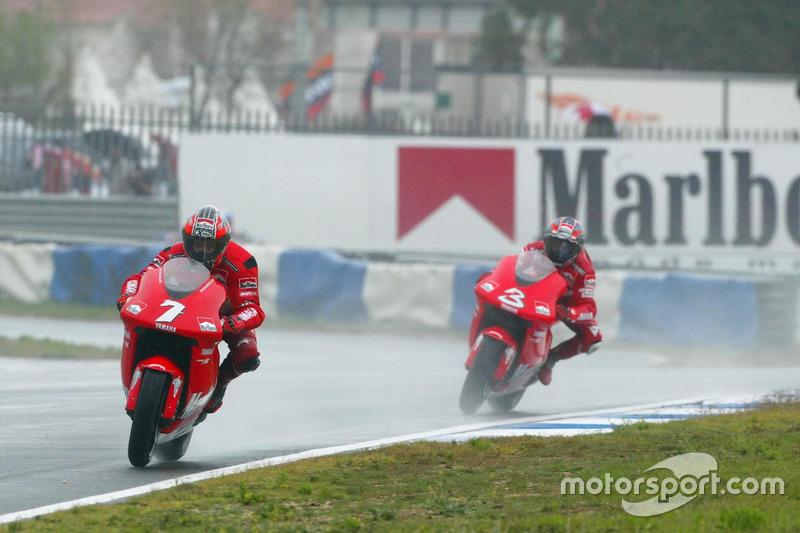 Carlos Checa, Marlboro Yamaha Team; Max Biaggi, Marlboro Yamaha Team