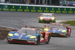 #68 Ford Performance Chip Ganassi Racing, Ford GT: Billy Johnson, Stefan Mücke, Olivier Pla; #69 For
