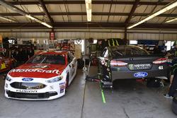 Ryan Blaney, Wood Brothers Racing Ford, Kurt Busch, Stewart-Haas Racing Ford