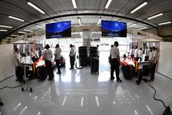 Garage della biposto F1 Experiences