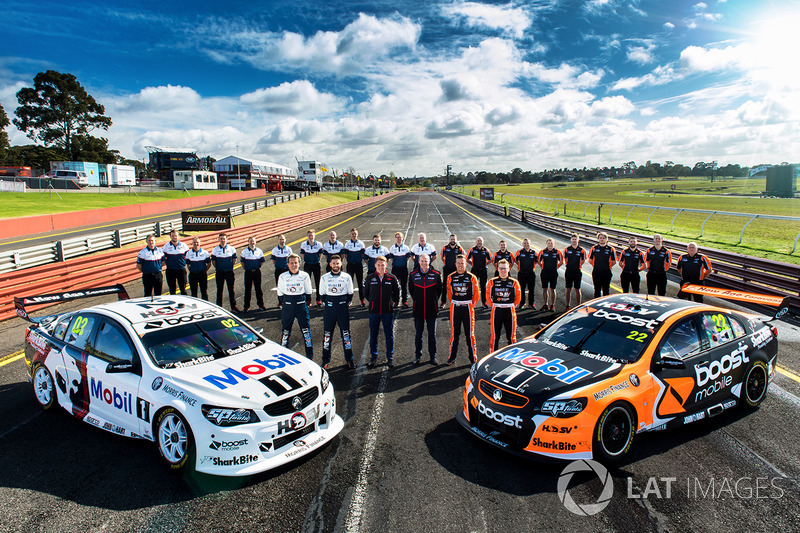 Warren Luff, Walkinshaw Racing, Alex Davison, Lucas Dumbrell Motorsport Holden, Ryan Walkinshaw, Jam
