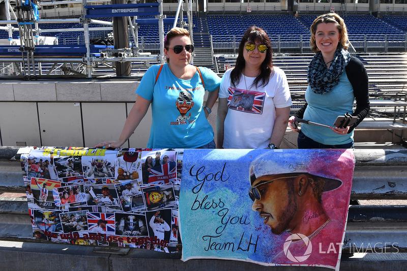 Des fans de Lewis Hamilton