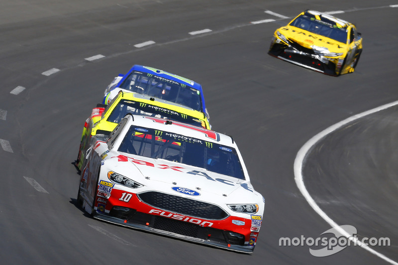 Danica Patrick, Stewart-Haas Racing, Ford; Dale Earnhardt Jr., Hendrick Motorsports, Chevrolet