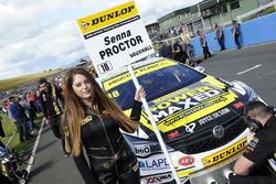 Grid girl of Senna Proctor, Power Maxed Racing Vauxhall Astra
