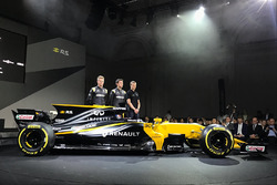 Nico Hülkenberg, Jolyon Palmer, Sergey Sirotkin mit dem Renault RS17