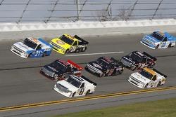 Johnny Sauter, GMS Racing Chevrolet, Ben Rhodes, ThorSport Racing Toyota, Brett Moffitt, Red Horse Racing, Toyota