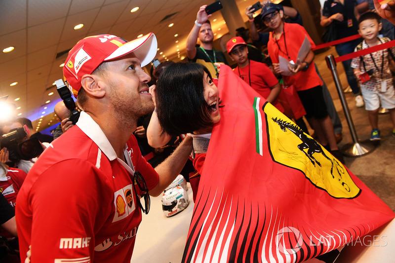 Sebastian Vettel, Ferrari, mit Fans