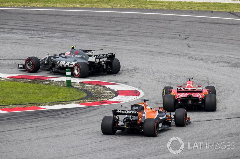 Кевін Магнуссен, Haas F1 Team VF-17, Себастьян Феттель, Ferrari SF70H, Фернандо Алонсо, McLaren MCL32