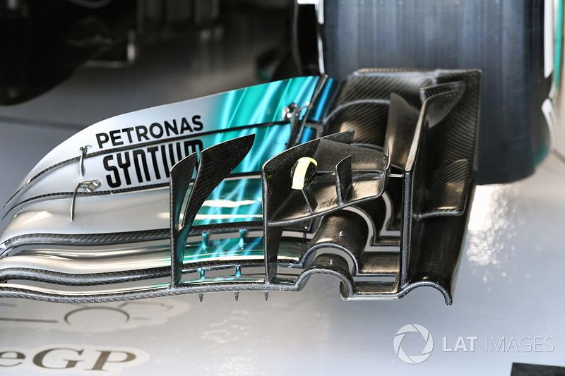 Переднє антикрило Mercedes-Benz F1 W08