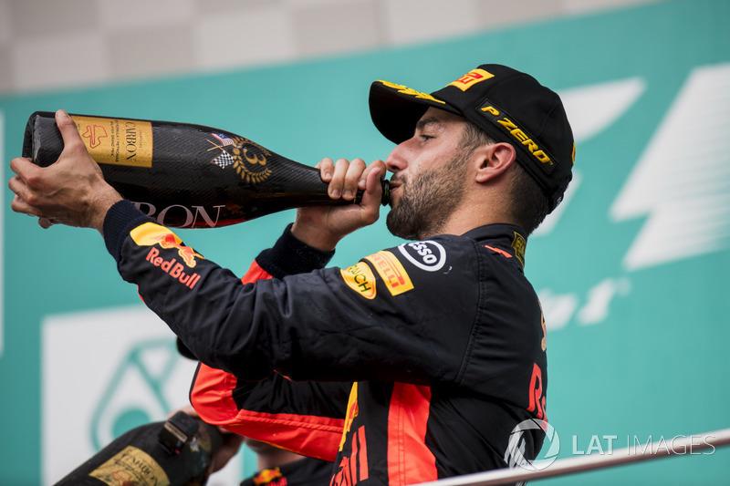 Третє місце Даніель Ріккардо, Red Bull Racing, на подіумі