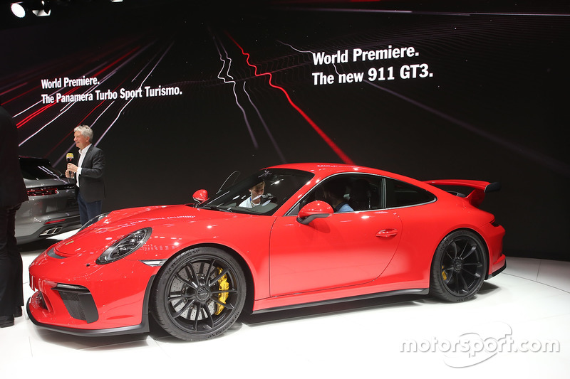 Porsche 911 G3 at Geneva International Motor Show - Automotive Photos
