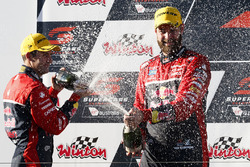 Podium: race winner Shane van Gisbergen, Triple Eight Race Engineering Holden,