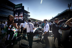 The Mercedes team and a Grid Girl, the car of Lewis Hamilton, Mercedes AMG F1 W08