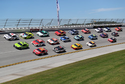 Three-wide race action