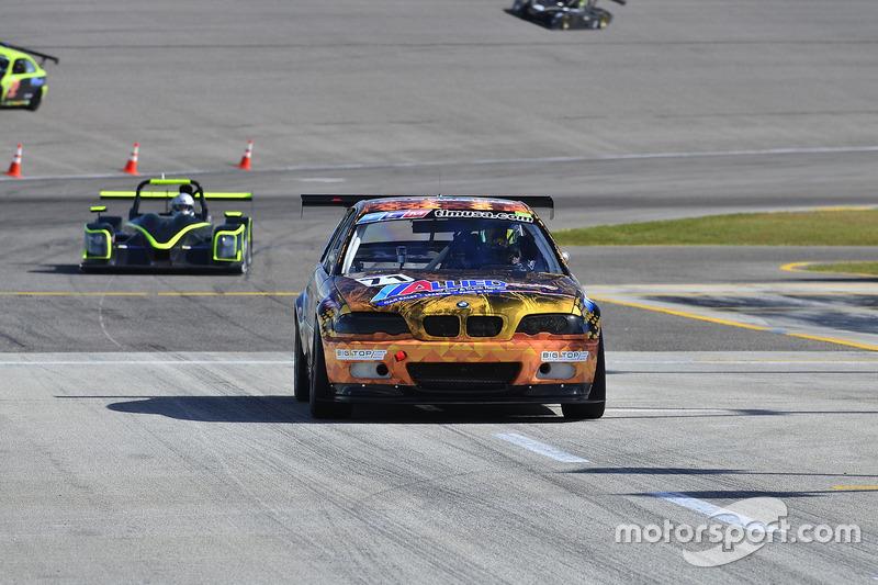 #71 MP2B BMW M3 driven by Sebastian Carazo & Brian Ortiz of TLM USA, #131 FP1 Norma M20FC CN driven