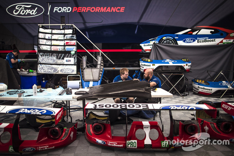 Ford GT team area