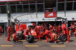 Кімі Райкконен, Ferrari SF70-H на піт-стопі
