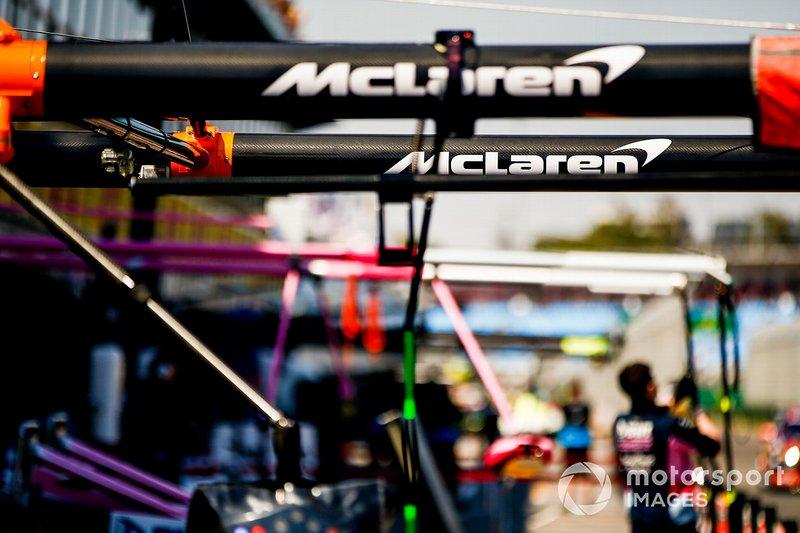 McLaren Pit Lane