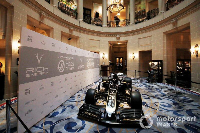 Peluncuran livery Haas F1 2019