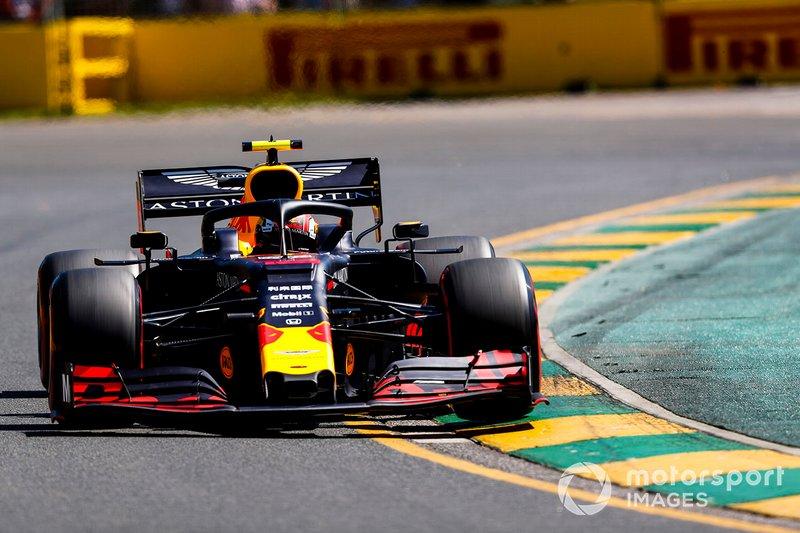 17. П'єр Гаслі, Red Bull Racing RB15, 1.23,020