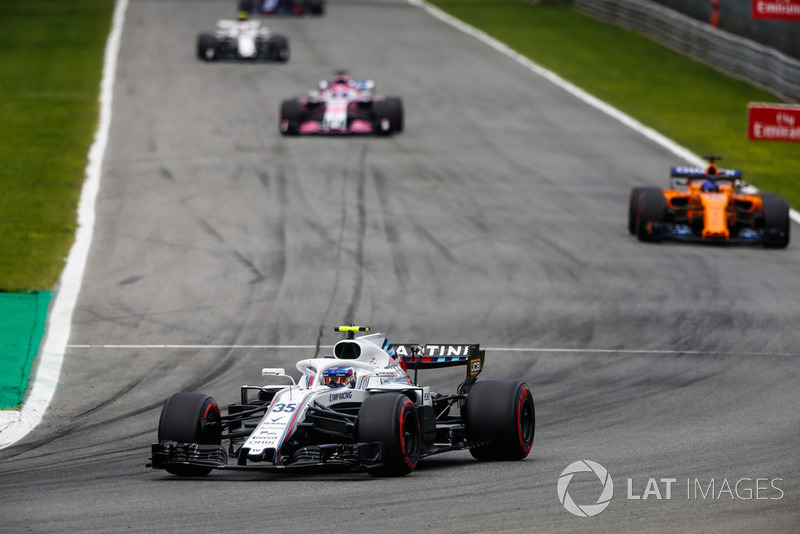 Sergey Sirotkin, Williams FW41, Fernando Alonso, McLaren MCL33, and Sergio Perez, Racing Point Force India VJM11
