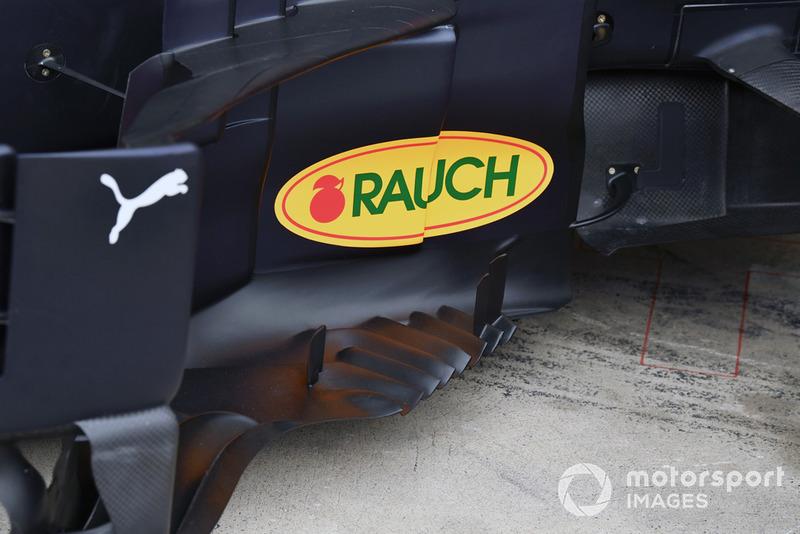 """تفاصيل الألواح الجانبيّة لسيارة """"آر.بي14"""""""