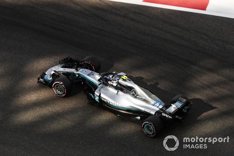 2: Валттери Боттас, Mercedes AMG F1 W09 – 1:34.956