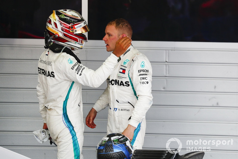 Race winner Lewis Hamilton, Mercedes AMG F1, Valtteri Bottas, Mercedes AMG F1