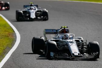 Charles Leclerc, Sauber C37, devant Sergey Sirotkin, Williams FW41