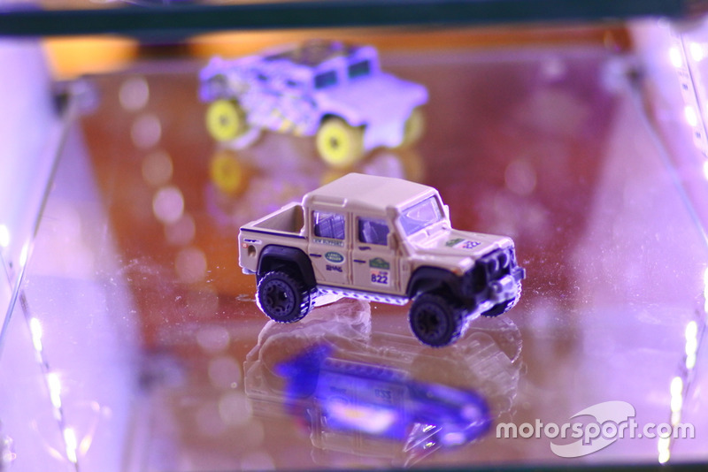 Diecast Land Rover Hot Wheels
