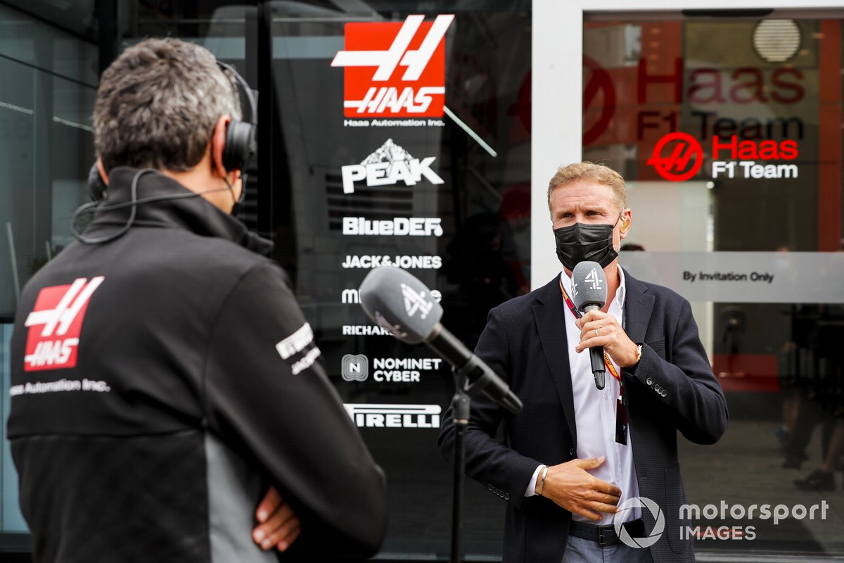 Presenter David Coulthard, Channel 4 F1, interviews Guenther Steiner, Team Principal, Haas F1