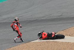 Chaz Davies, Aruba.it Racing-Ducati SBK Team after crash