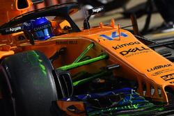 Fernando Alonso, McLaren MCL33 avec de la peinture flow-viz sur la suspension