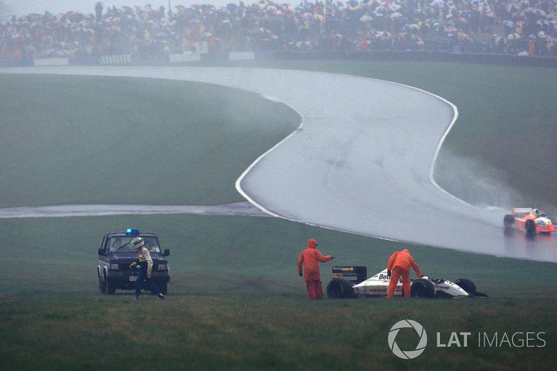 Sortie de piste et abandon pour Fabrizio Barbazza, Minardi Cosworth M193
